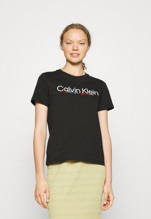 PRIDE REGULAR FIT CORE LOGO TEE - Print T-shirt -  black