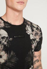 Religion - SKELETON AND PALM - Print T-shirt - black - 4