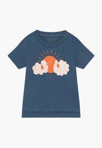 TINYCOTTONS - SUN TEE - Print T-shirt - summer navy/brick - 0