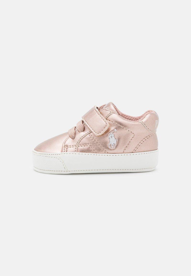 Polo Ralph Lauren - THERON LAYETTE - Babyschoenen - rose metallic/paperwhite
