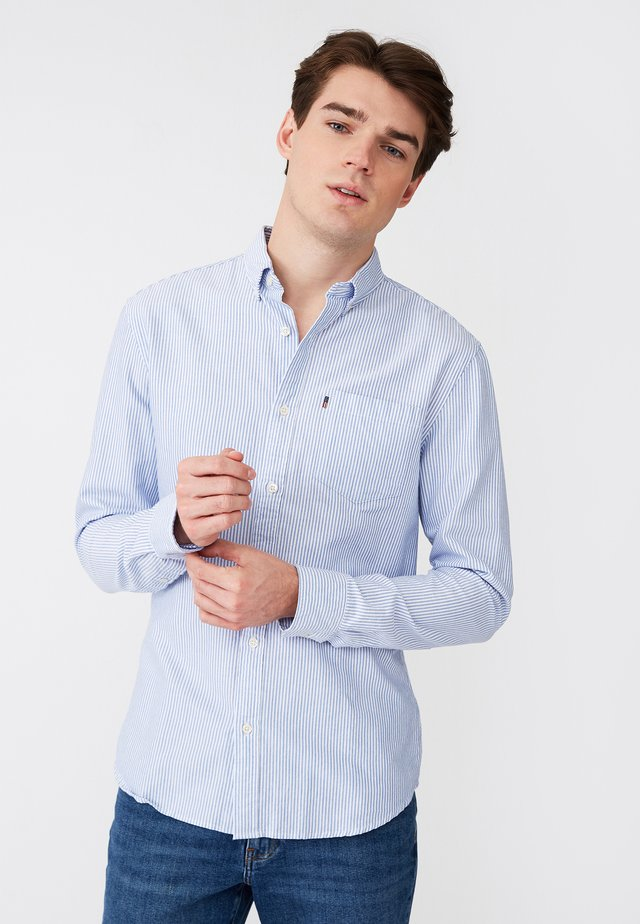 KYLE OXFORD - Shirt - blue/white stripe