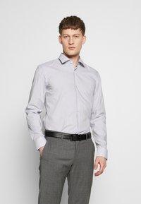 HUGO - KOEY SLIM FIT - Formal shirt - navy - 0