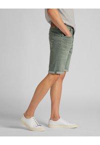 Lee - Denim shorts - khaki - 2
