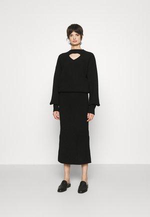 CUTOUT OTTOMAN DRESS - Sukienka dzianinowa - black