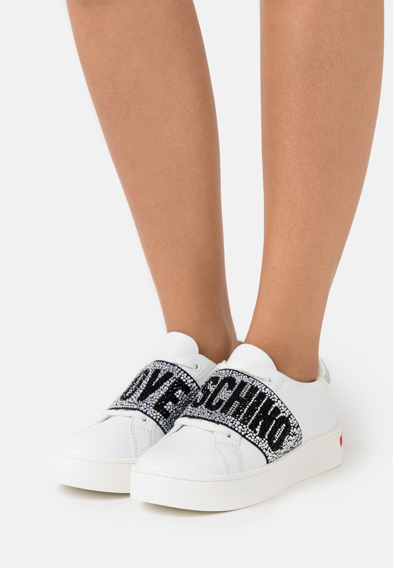 Love Moschino - Sneakersy niskie - bianco