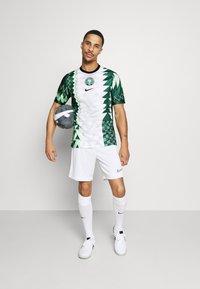 Nike Performance - NFF NIGERIA NIGERIA HOME - Landslagströjor - white/black - 1