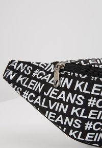 Calvin Klein Jeans - SPORT ESSENTIALS  - Heuptas - black - 2