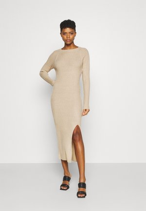 TWISTED BACK DRESS - Stickad klänning - beige