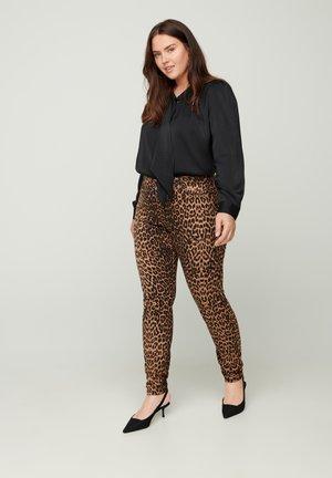 Slim fit jeans - camel