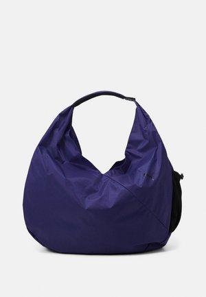 STUDIO DRAPED GYM BAG - Across body bag - elektro blue