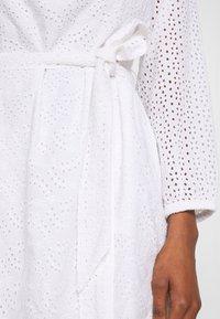 GAP - EYELET DRESS - Sukienka letnia - optic white - 3