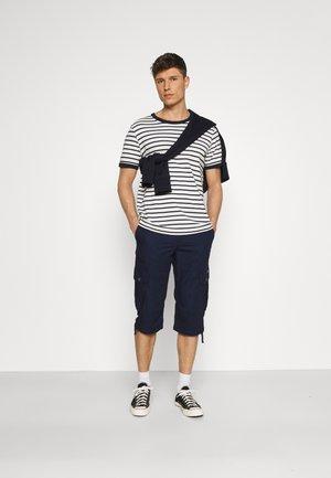 MAX OVERKNEE - Short - sailor blue