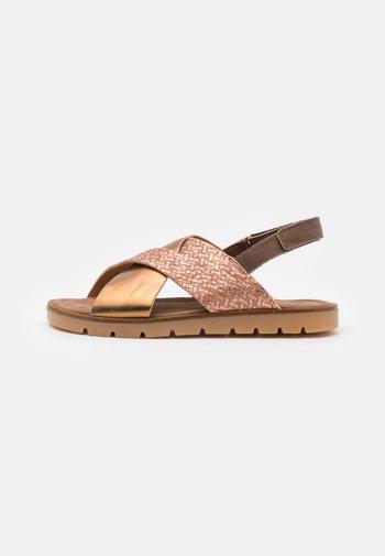 AIYA - Sandals - oak