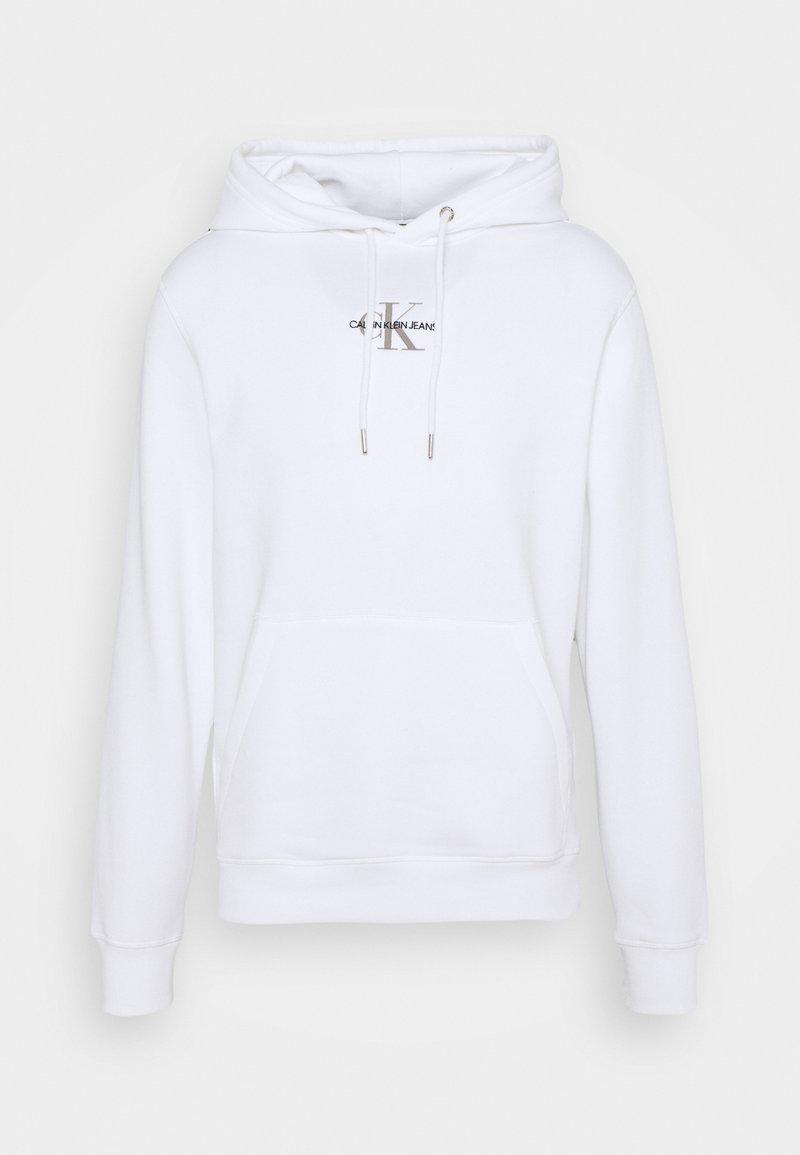 Calvin Klein Jeans - NEW ICONIC ESSENTIAL HOODIE - Collegepaita - bright white