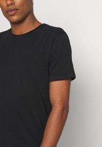 Scotch & Soda - Basic T-shirt - black - 5