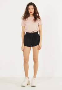 Bershka - Shorts - black - 1