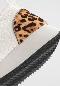 Loeffler Randall - REMI - Sneakers basse - offwhite - 2