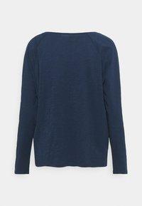 Marc O'Polo DENIM - LONG SLEEVE RAGLAN SLEEVE RELAXED FIT - Long sleeved top - dress blue - 1
