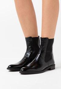 Vagabond - FRANCES - Classic ankle boots - black - 0