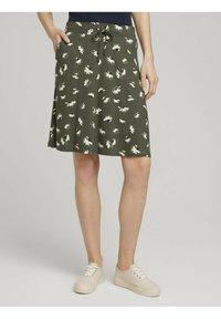 TOM TAILOR - MIT TASCHEN - Spódnica trapezowa - khaki floral design - 0