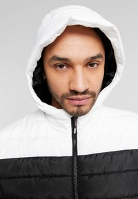 Only & Sons - ONSGEORGE QUILTED HOOD - Allvädersjacka - cloud dancer - 3