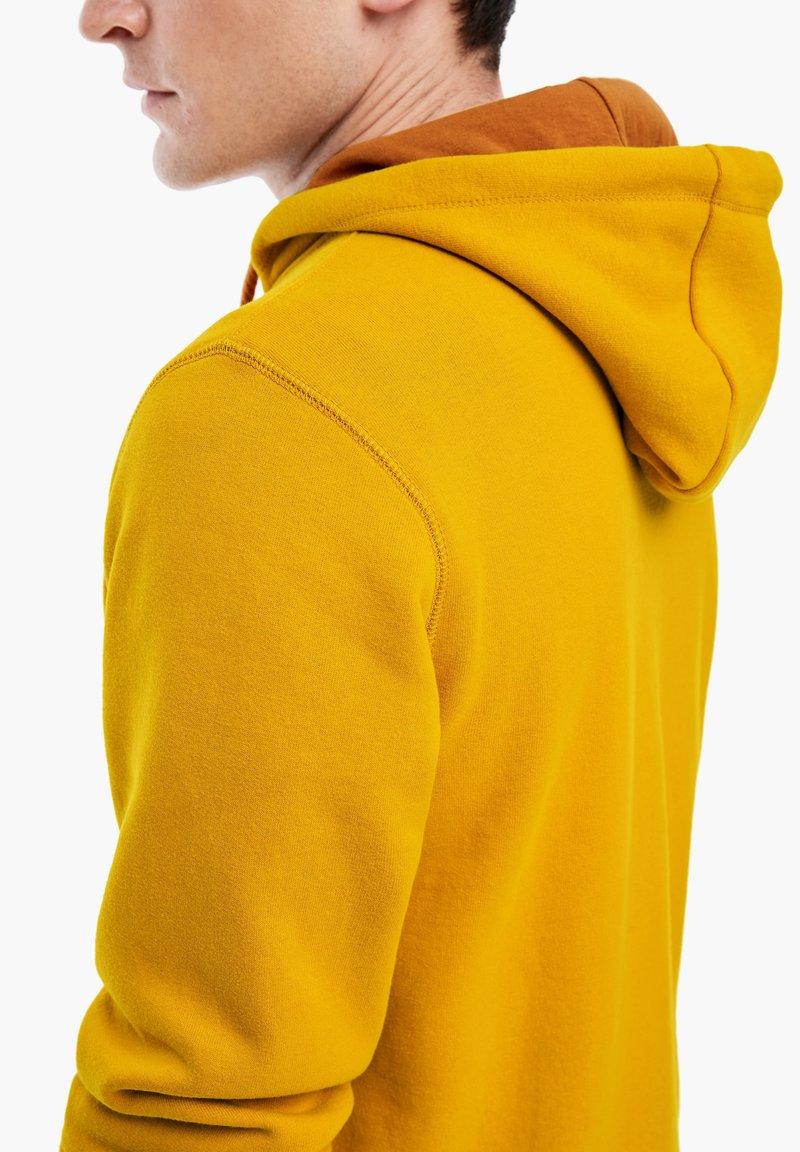 s.Oliver LANGARM - Sweatjacke - yellow/dunkelgelb gSr7B1