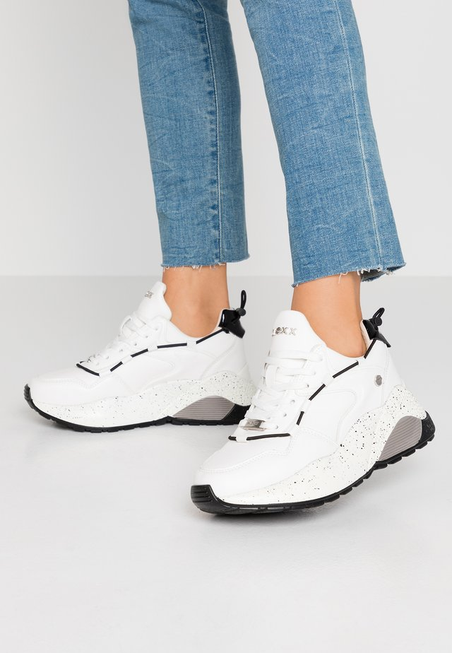 DYNAH - Trainers - white