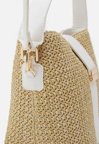 Forever New - IMOGEN BUCKET BAG - Handbag - straw/white - 3