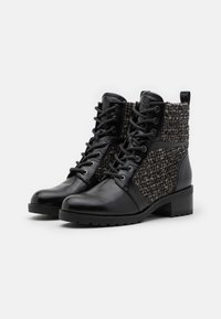 MICHAEL Michael Kors - BRONTE BOOT - Lace-up ankle boots - black/natural - 2