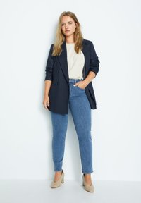 Violeta by Mango - SUSAN - Slim fit jeans - azul medio - 1
