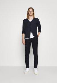 Bruuns Bazaar - CLEMENT CLARK PANT - Trousers - navy - 1