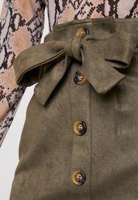 Missguided - PAPERBAG WAIST SKIRT - Pencil skirt - khaki - 5