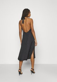 NU-IN - DEEP BACK HALTERNECK MIDI DRESS - Cocktail dress / Party dress - black - 2