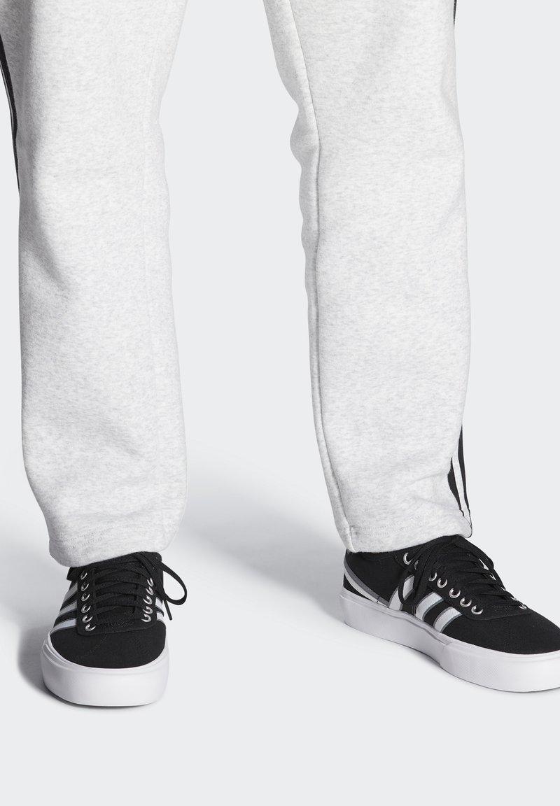 adidas Originals - DELPALA SHOES - Baskets basses - black/white