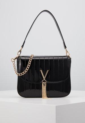 BONGO - Handtasche - black