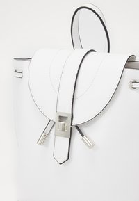 New Look - FOSTER BACKPACK - Rucksack - white - 3