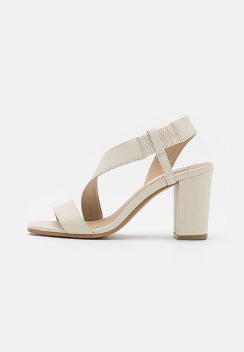 LEXY - Sandals - bone