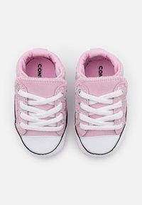 Converse - CHUCK TAYLOR ALL STAR CRIBSTER - Scarpe neonato - pink glaze/silver/white - 3