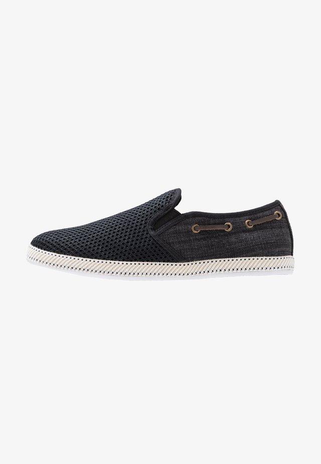 BALLER - Scarpe senza lacci - black