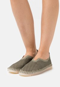 Ilse Jacobsen - TULIP LUX - Slippers - army - 0