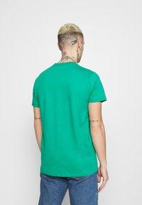 Pepe Jeans - EGGO  - T-shirt med print - emerald - 2