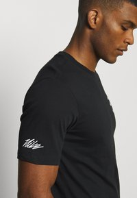Nike Performance - TEE PROJECT  - T-shirts print - black - 3