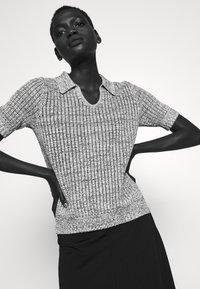 Proenza Schouler White Label - T-shirt imprimé - ecru - 3