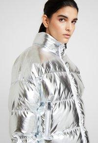Napapijri - ART METALLIC - Zimní bunda - silver - 3