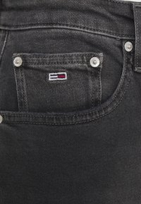 Tommy Jeans - MOM COMFORT - Relaxed fit jeans - denim black - 6