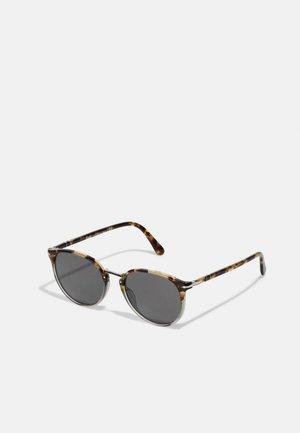 UNISEX - Sunglasses - brown tortoise smoke