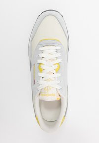 Reebok Classic - Trainers - chalk/cold grey/utility yellow - 1