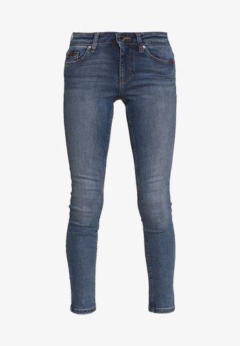ONLFCARMEN DECO STITCH - Jeans Skinny Fit - medium blue denim