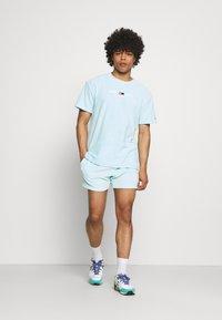 Tommy Jeans - TOWELING  - Shortsit - aqua coast - 1