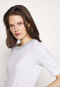 edc by Esprit - Basic T-shirt - white - 3